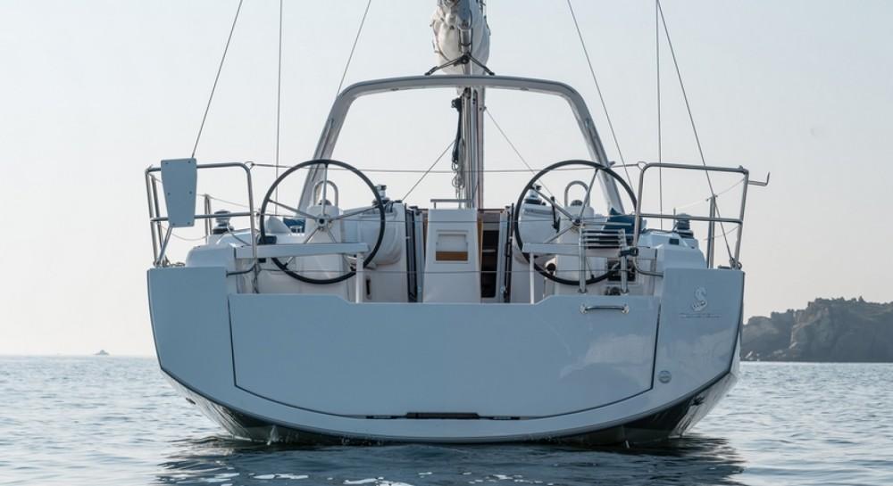 Boat rental Hyères cheap Oceanis 38.1