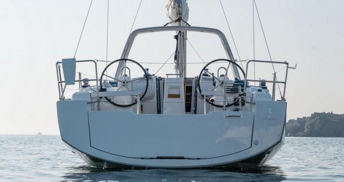 Location yacht à Hyères - Bénéteau Oceanis 38.1 sur SamBoat