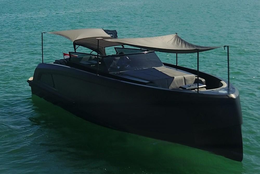Yacht for rent Sant Antoni de Portmany at the best price