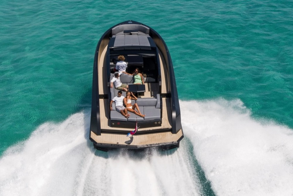 Rental Yacht Vanquish with a permit