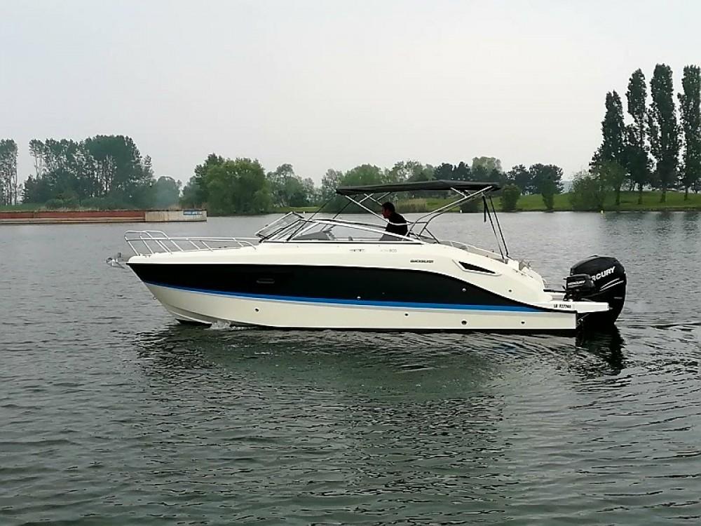 Boat rental Quicksilver Activ 805 Cruiser in Saint-Cyprien on Samboat