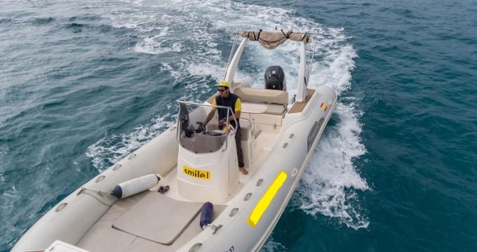 Louer Semi-rigide avec ou sans skipper Capelli à Palma de Majorque