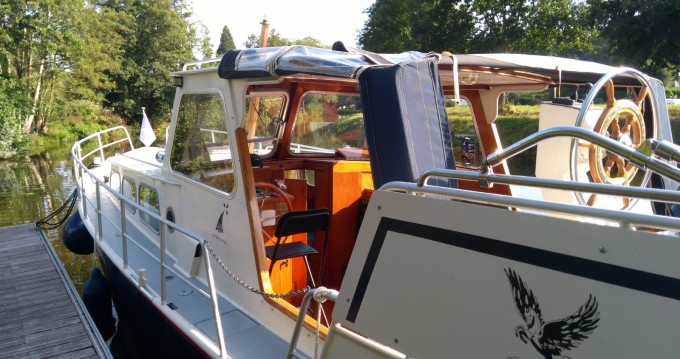 Rental Houseboat Altena with a permit