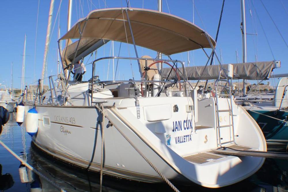 Boat rental Ta' Xbiex cheap Oceanis 423 Clipper