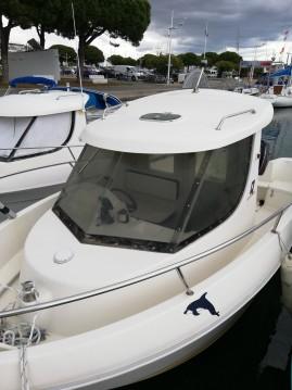 Louer Bateau à moteur avec ou sans skipper Quicksilver à Port-Camargue