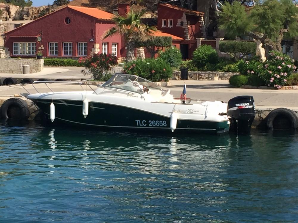 Rental yacht Sanary-sur-Mer - Jeanneau Cap Camarat 7.5 WA on SamBoat