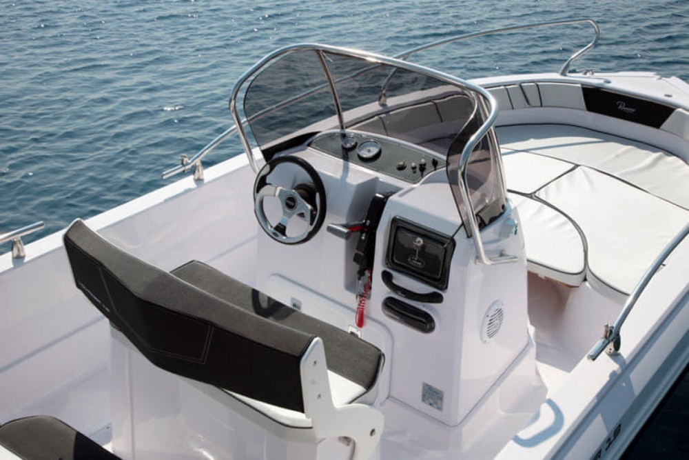 Hire Motor boat with or without skipper Ranieri Croatia