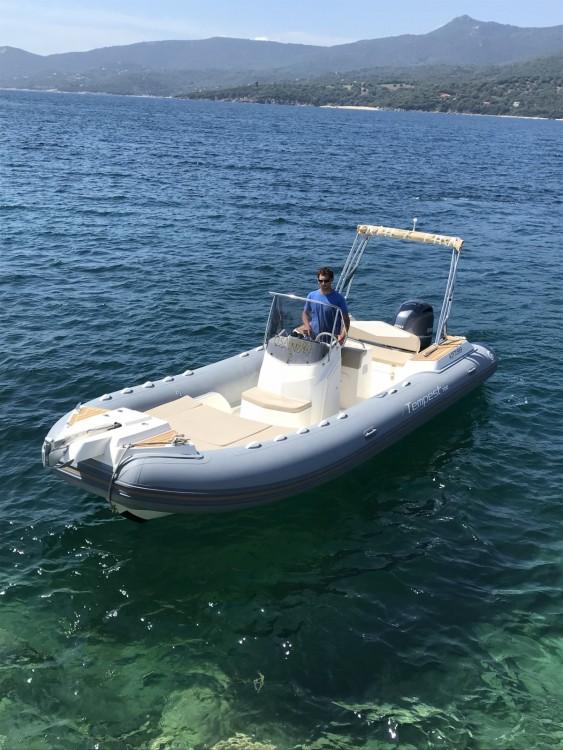 Boat rental Capelli Capelli 700 Sun in Propriano on Samboat