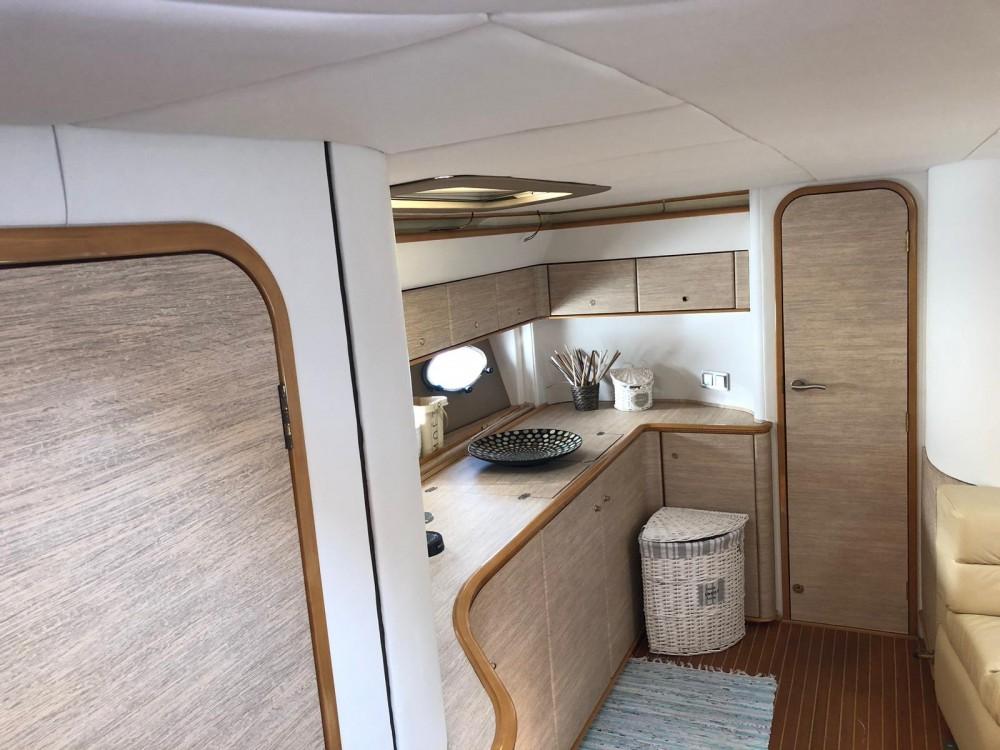 Location bateau La Grande-Motte pas cher Princess V55