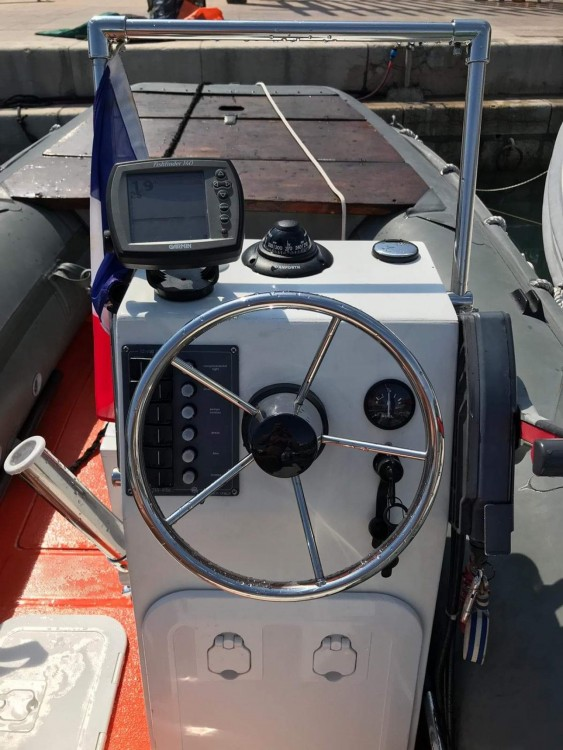 Boat rental Army Rh00200 in La Ciotat on Samboat