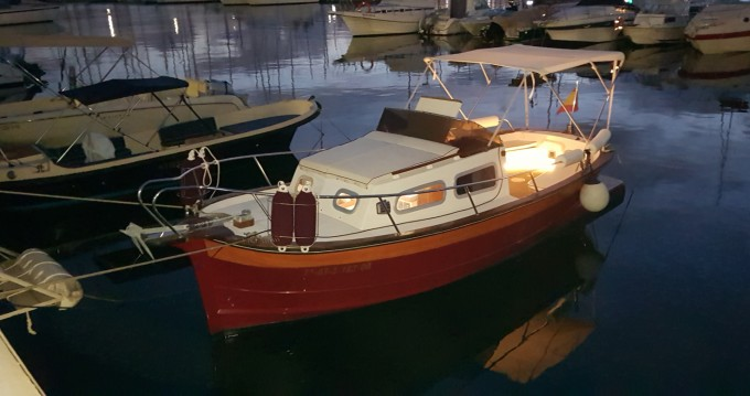 Rental Motor boat in Torrevieja - Knort Cabinada 32 Clásica