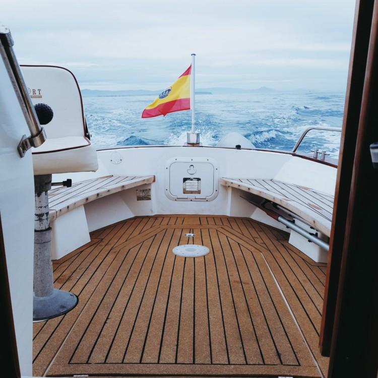 Location bateau Torrevieja pas cher Cabinada 32 Clásica
