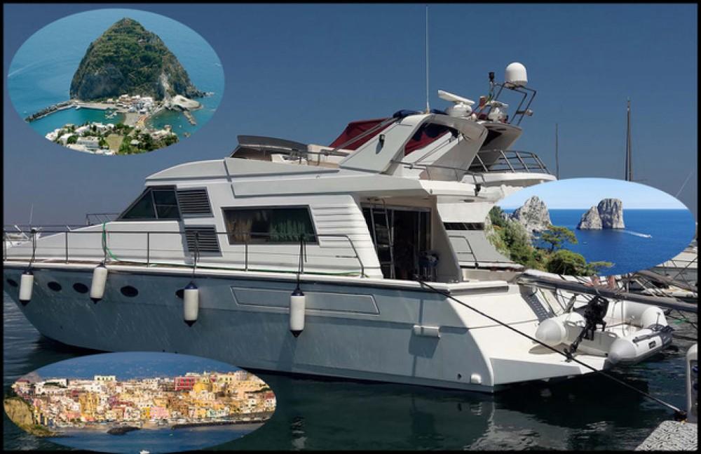 Boat rental Naples cheap Fly 50
