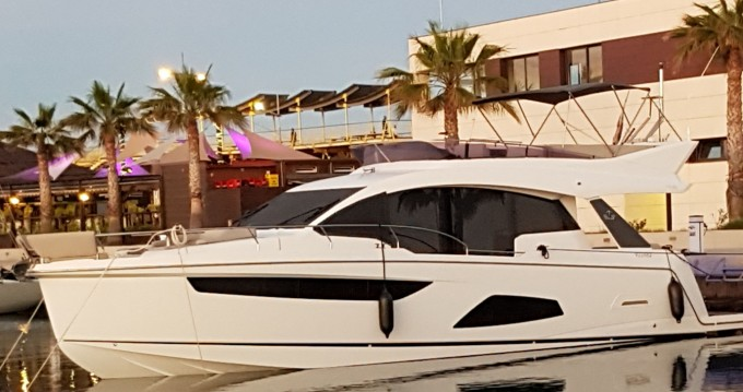 Hire Yacht with or without skipper Sealine Torrevieja