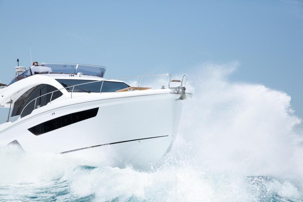 Alquiler Yates Sealine con título de navegación