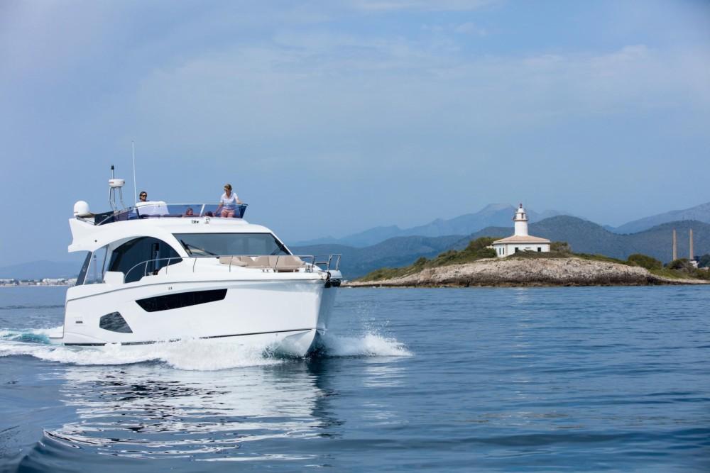 Verhuur Jacht Sealine met vaarbewijs
