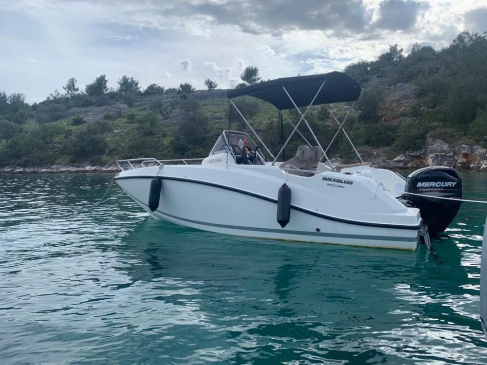 Rental Motor boat in Split - Quicksilver open