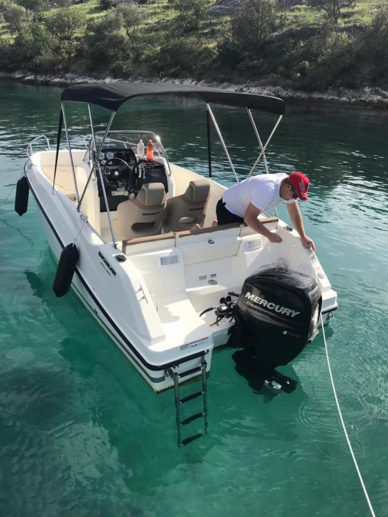 Hire Motor boat with or without skipper Quicksilver Split