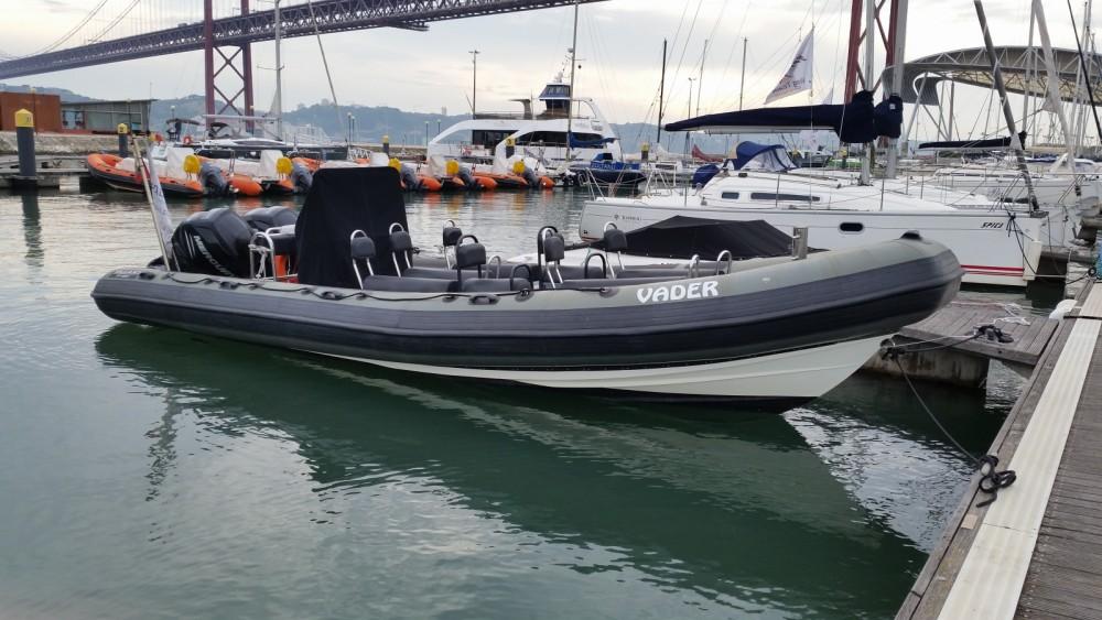 Boat rental Valiant PT 850 in Lisbon on Samboat