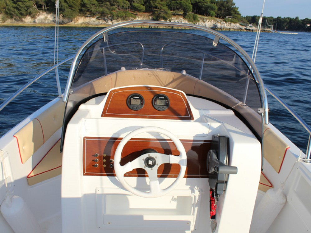 Motor boat for rent Poreč at the best price