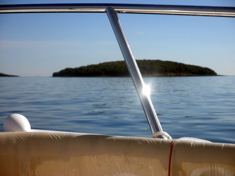 Rent a Suncy Solarboat 19 Poreč