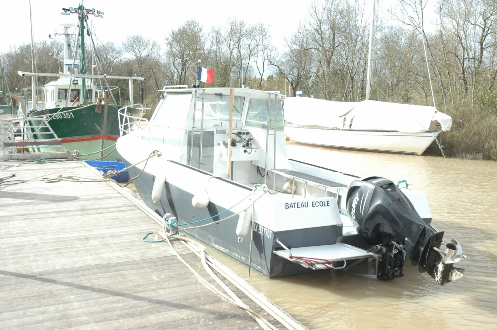 Boat rental Felix 900 in Soulac-sur-Mer on Samboat