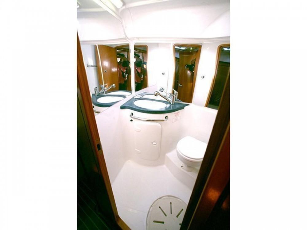 Sailboat for rent Porto-Vecchio at the best price