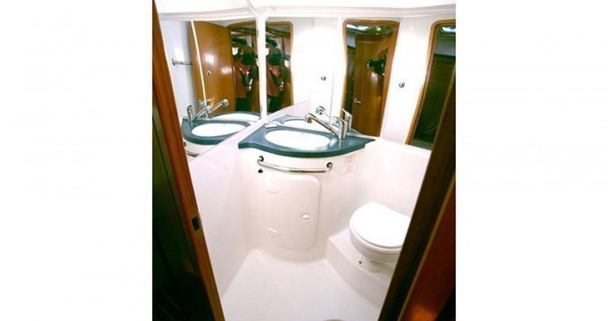 Location bateau Porto-Vecchio pas cher Bavaria 42 Cruiser