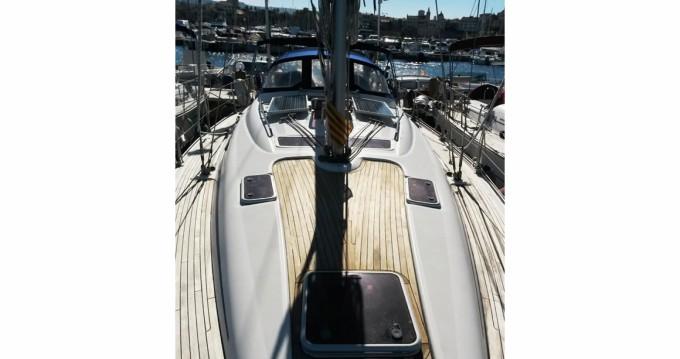 Louez un Bavaria Bavaria 42 Cruiser à Porto-Vecchio