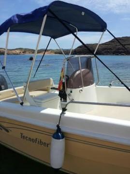 Louer Bateau à moteur avec ou sans skipper tecnofiber à Ciutadella de Menorca