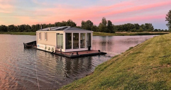 Louez un Aquahome  STE à Werkendam