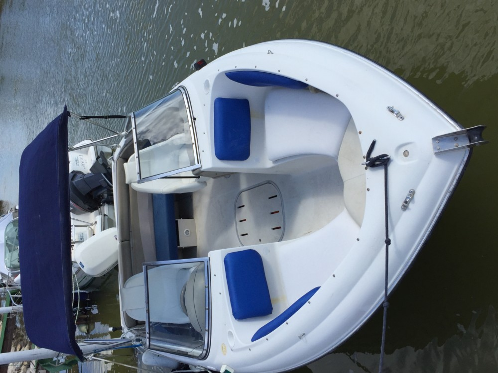 Motor boat for rent Pérols at the best price