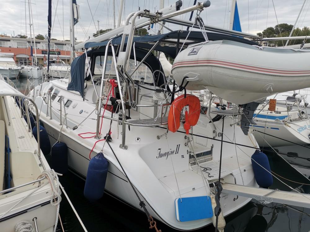 Location bateau Saint-Raphaël pas cher Hunter 41 DS