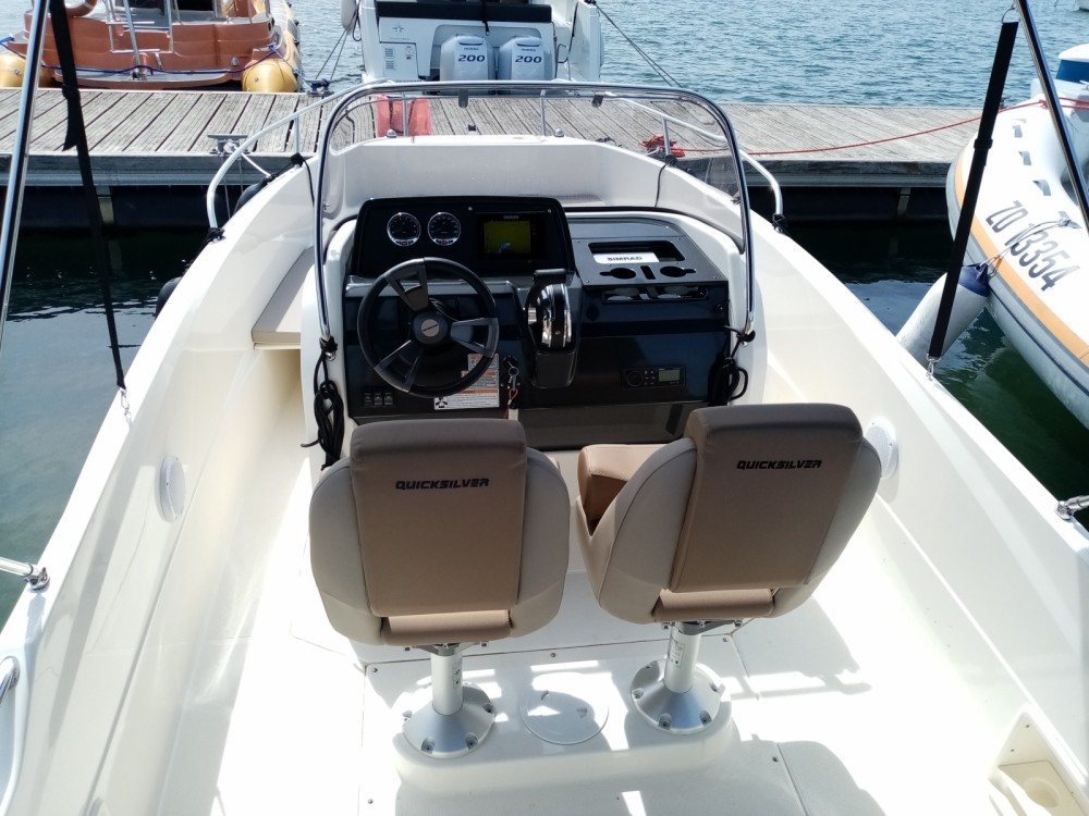 Quicksilver Active 605 Open between personal and professional Pula