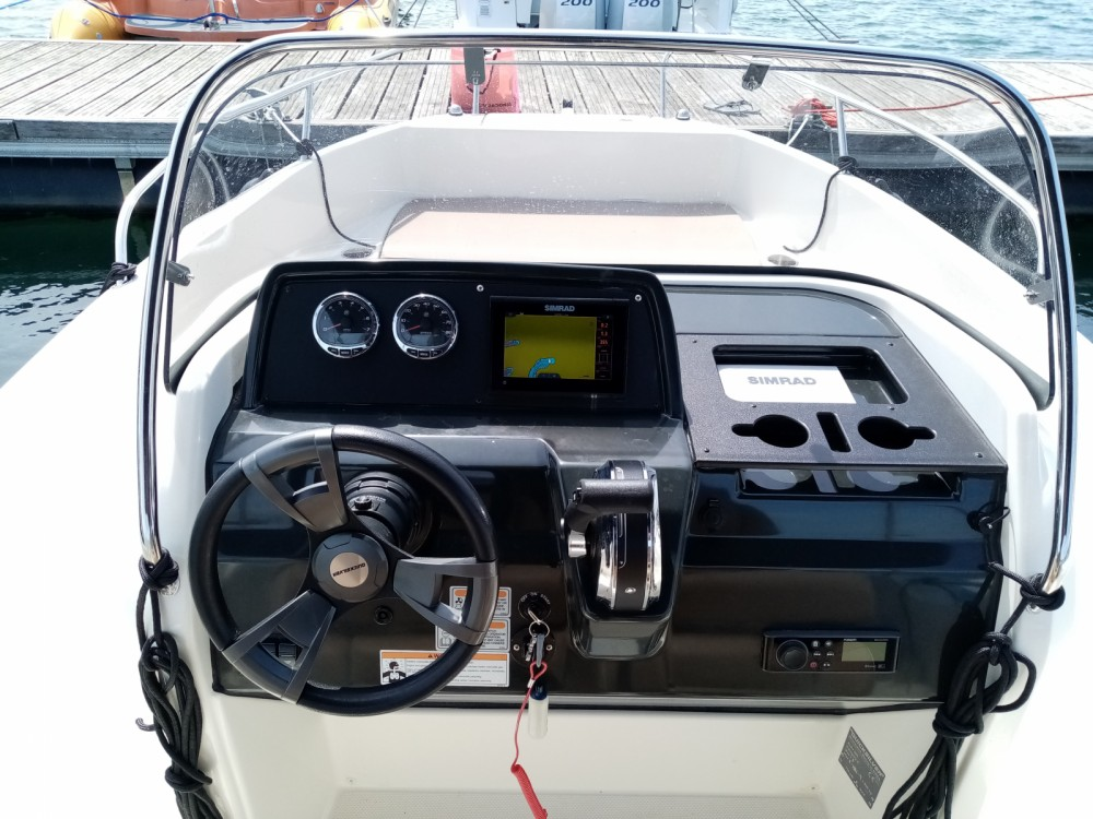 Boat rental Pula cheap Active 605 Open
