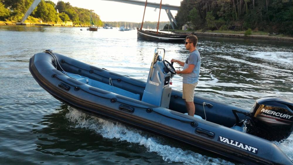 Rent a Valiant DR 520 Fishing Le Bono