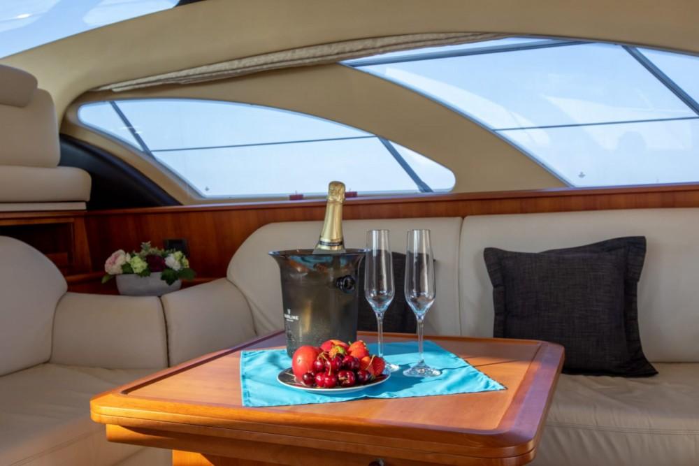 Boat rental Azimut Azimut 50 Fly in Palma on Samboat