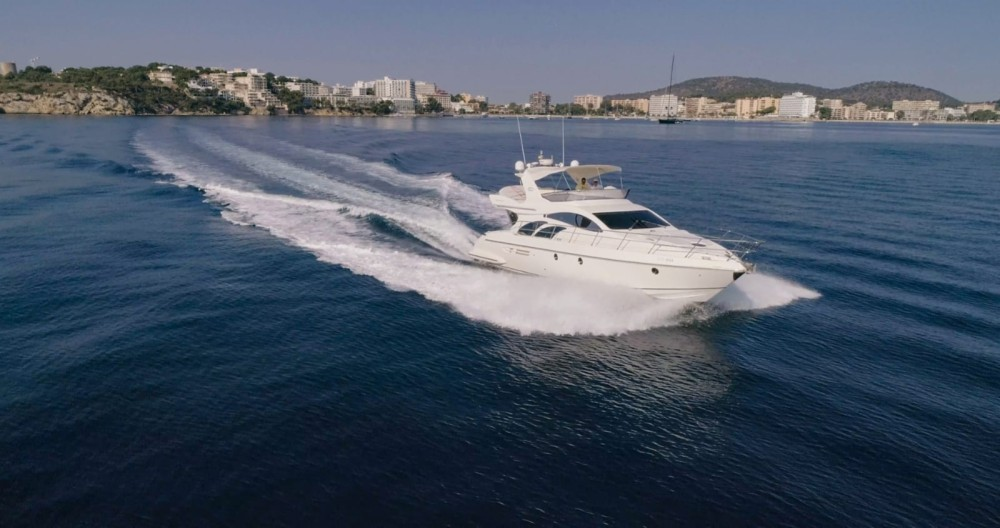Hire Yacht with or without skipper Azimut Palma
