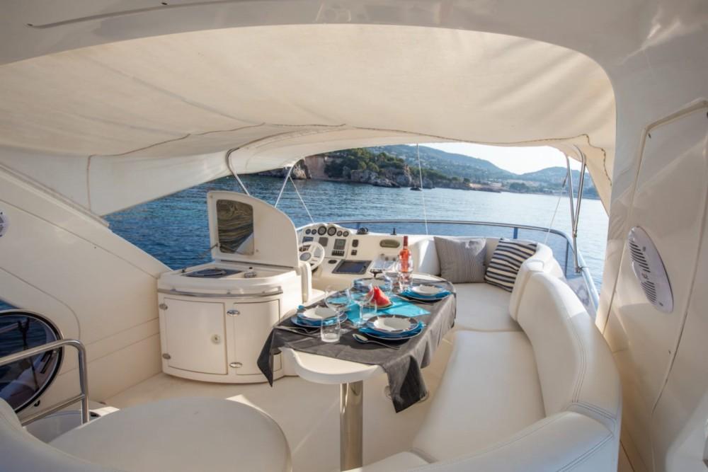 Rental yacht Palma - Azimut Azimut 50 Fly on SamBoat