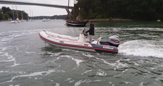 Location bateau Valiant Valiant 525 Sport à Bono sur Samboat