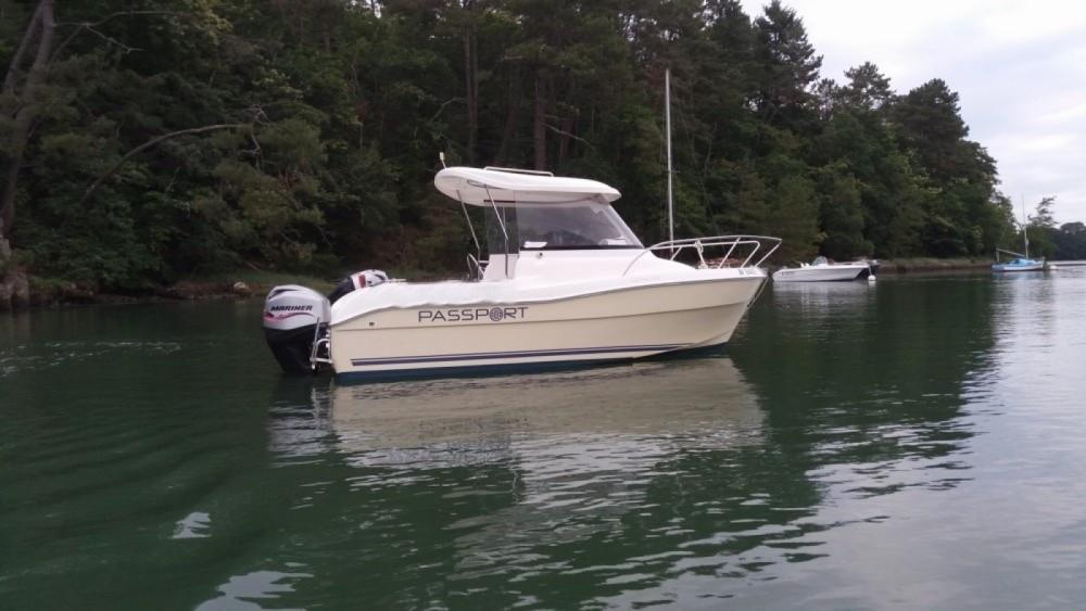 Boat rental PASPORT FISHMATE 530 in Le Bono on Samboat