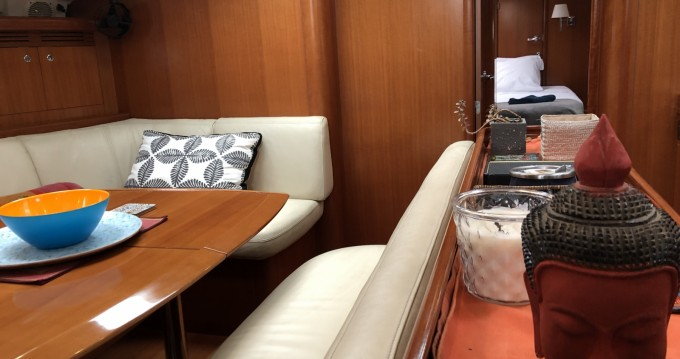 Rental yacht Calvi - Bénéteau Oceanis 523 Clipper on SamBoat