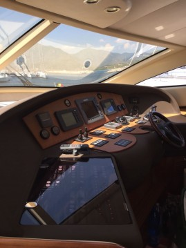 Louer Yacht avec ou sans skipper Aicon à Cagliari