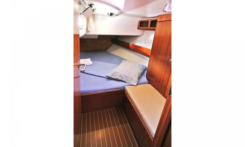 Boat rental Porto-Vecchio cheap Bavaria 42 Cruiser