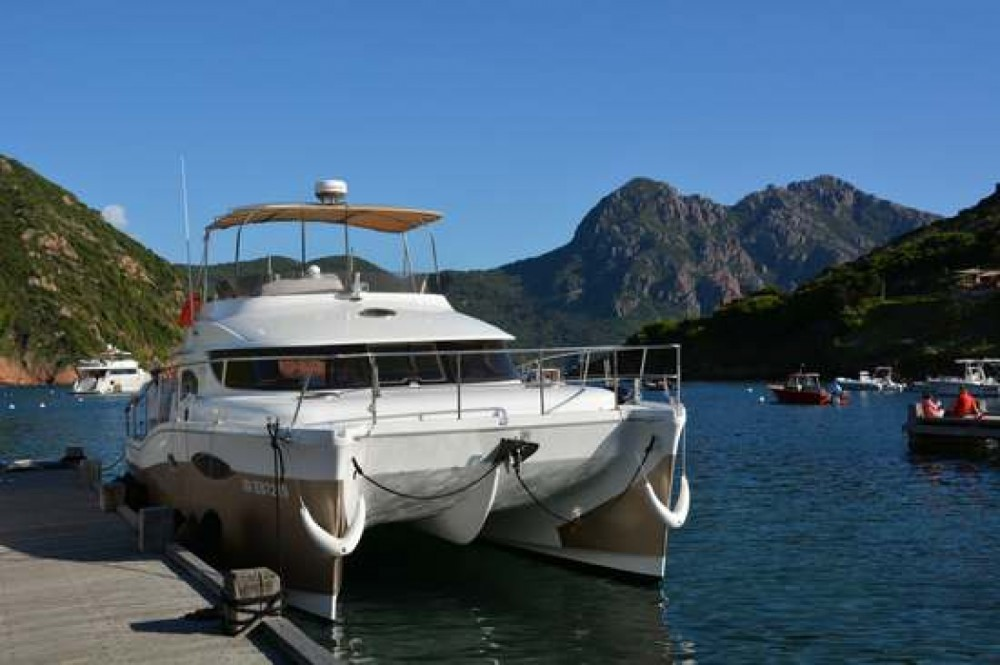 Fountaine Pajot Summerland 40 between personal and professional Fréjus