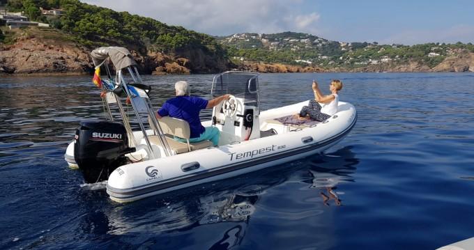 Louer Semi-rigide avec ou sans skipper Capelli à Llafranc