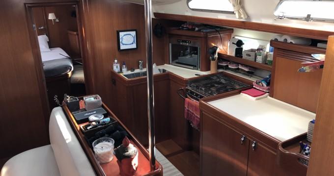Rental Sailboat in Calvi - Bénéteau Oceanis 523 Clipper