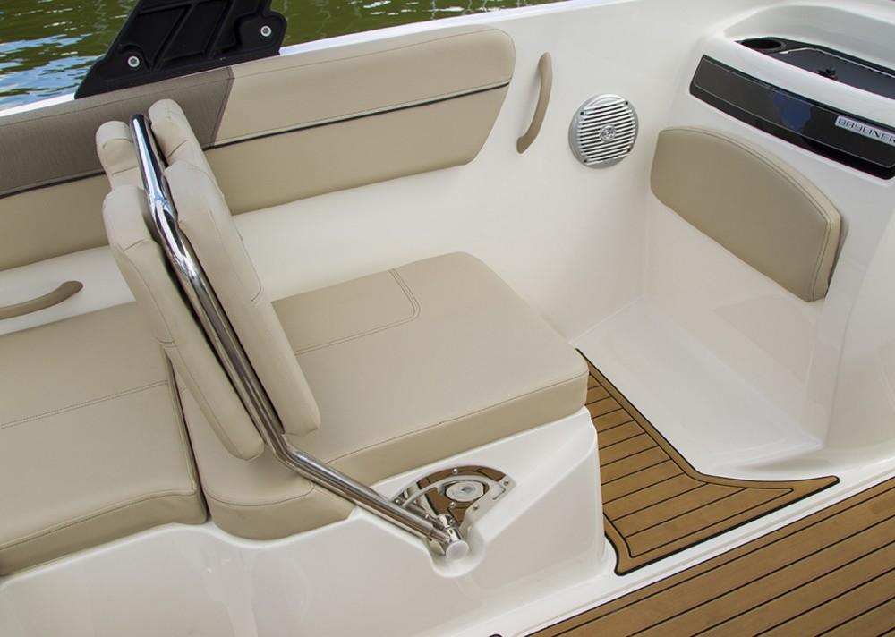 Boat rental Bayliner VR6 OB in Altea on Samboat