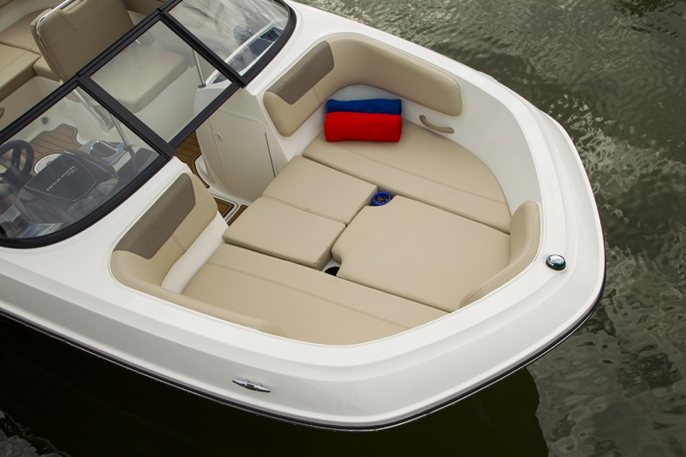 Hire Motor boat with or without skipper Bayliner Altea