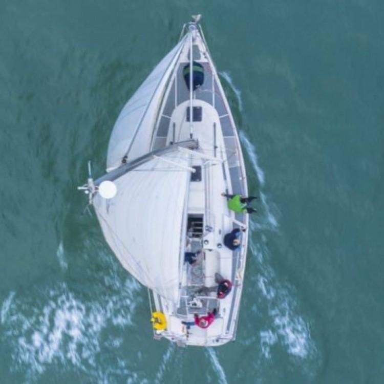 Sailboat for rent Sant Carles de la Ràpita at the best price